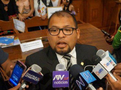Piden test de descarte para periodistas que estuvieron con alcalde Omar Candia