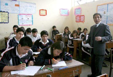 Contraloría: El 89% de colegios en el país no cuenta con psicólogos en su plana