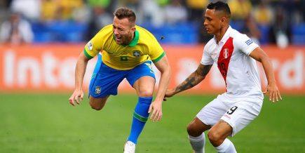 Perú disputó la gran final de la Copa América con Brasil y perdió 3 a 1 luchando
