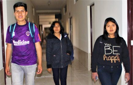 UNSA: Tres quinceañeros ingresan a Medicina a pesar de adversidades