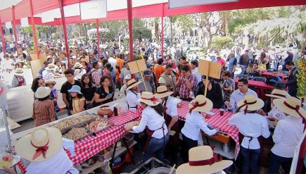 Así se realiza la VII Fiesta de la Chicha en la Plaza de Armas (VIDEO)