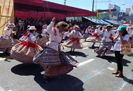 Fiestas de Arequipa: Corso de la Amistad 2019