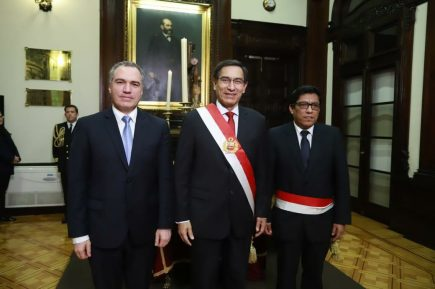 Vicente Zeballos juramenta como presidente del Consejo de Ministros