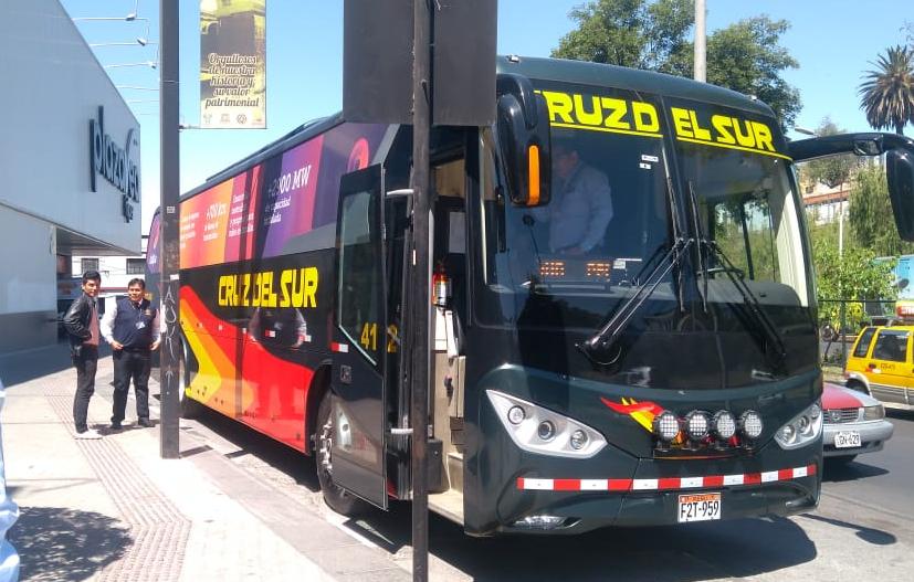 Kallpa y Cruz del Sur presentaron bus eléctrico