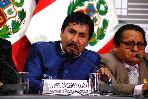 elmer cáceres llica gobernador regional de arequipa