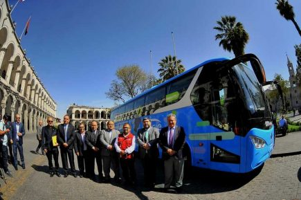 Primer bus eléctrico de Arequipa dará servicio gratuito para PERUMIN