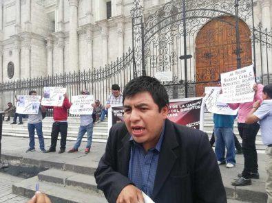 Exigen salida de director de la UNCV filial Arequipa, por denuncias