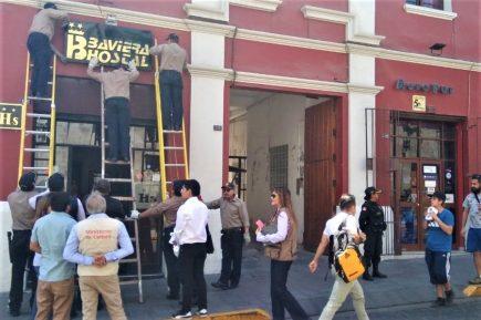 Unos 350 letreros comerciales fueron retirados del Centro Histórico este año