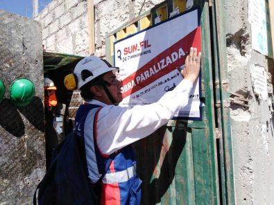 Arequipa: Paralizan obra por riesgo grave para 56 trabajadores