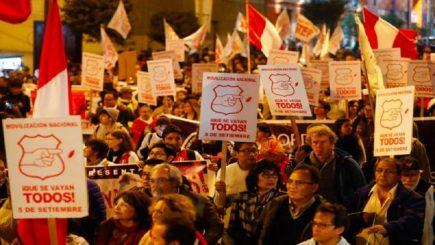 En el Perú la salida está fuera del Congreso