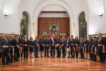 Conoce el perfil profesional de los nuevos ministros del gobierno de Martín Vizcarra