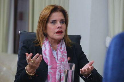 Mercedes Aráoz renunció al cargo de vicepresidenta y al encargo del Congreso