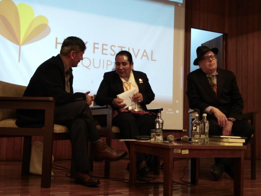 la antropóloga cusqueña Carmen Escalante, el profesor Bruce Mannhein y el poeta Odi Gonzales