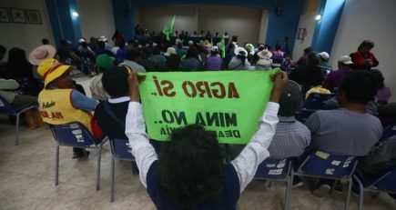 Tía María: Agricultores exigen retiro de policías para reunión con Vizcarra