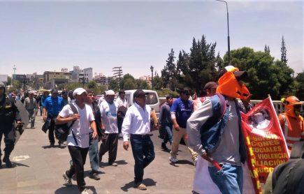 Construcción Civil marcha exigiendo liberación de dirigentes (VIDEO)