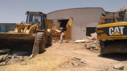 Autoridades demolieron discoteca construida en zona agrícola en Sachaca