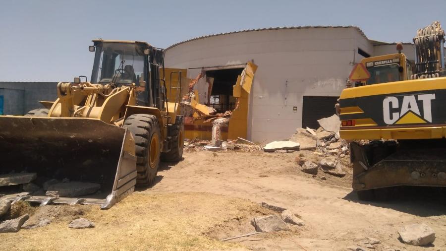 Demolición de discoteca construida en terreno agrícola en Sachaca