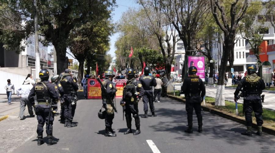 Marcha de construcción civil en Arequipa por dirigentes.