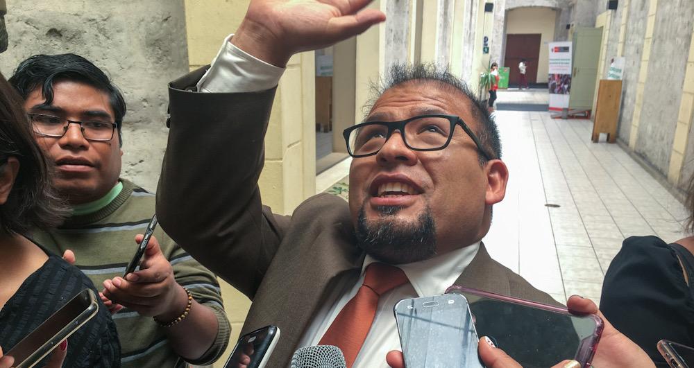 Alcalde de arequipa Omar Candia Aguilar aumento sueldos funcionarios