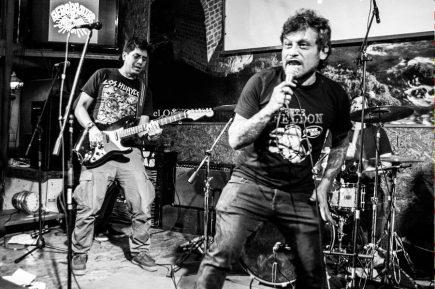 Treinta canciones de Aeropajitas, 25 años de punk rock