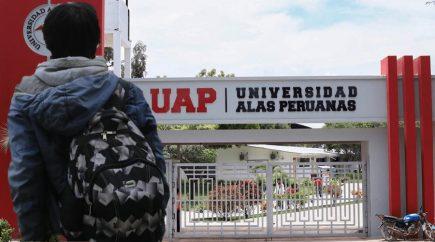 Alas Peruanas: ¿qué pasará con los 65 mil universitarios tras negarse su licencia?