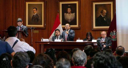 Más promesas que resultados en primer año de Omar Candia como alcalde de Arequipa