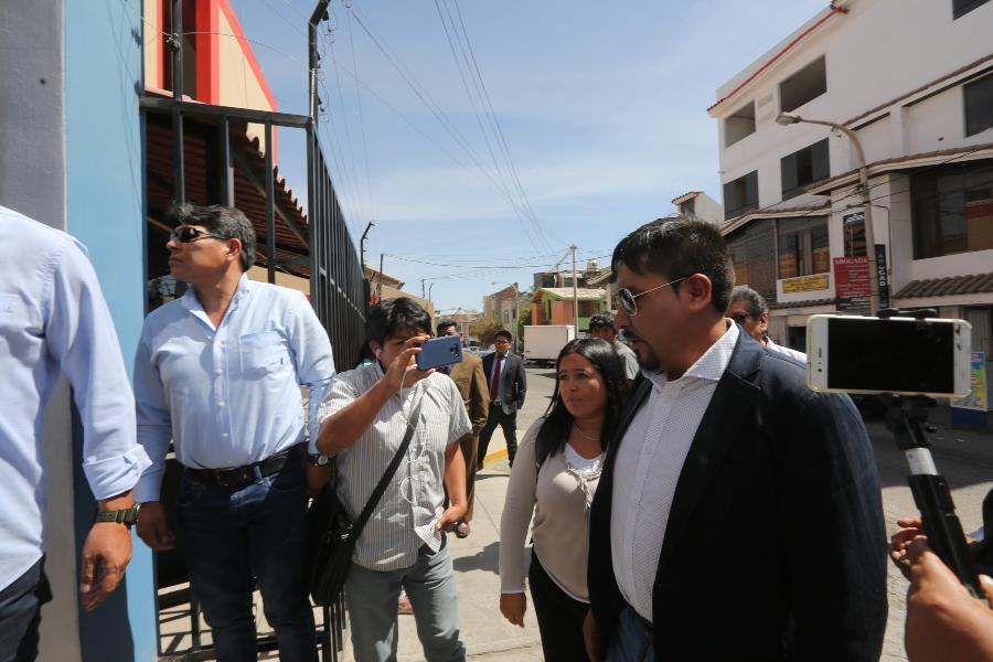 Arequipa: gobernador Elmer Cáceres Llica acude a la fiscalía por denuncia de Southern