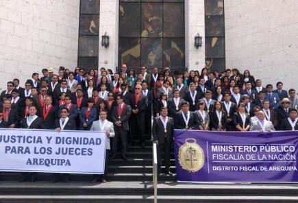 Jueces de Arequipa   suspenden huelga por vacaciones pero la retomarán