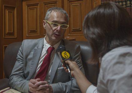 Rector de Salamanca: este es un momento para defender la democracia