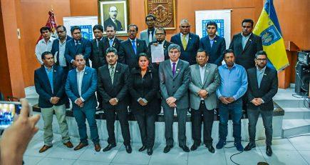 Alcaldes de Arequipa duplicarán sus sueldos en el año 2020
