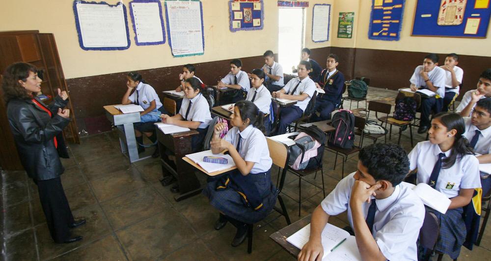 Arequipa colegios privados decreto de urgencia