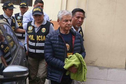 Arequipa: insisten en habeas corpus para liberar a César Villanueva