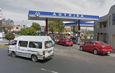 Arequipa: alarma por fuga de gas en grifo Autrisa de Av. Sepulveda, en Miraflores