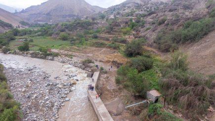 Arequipa: Lluvias provocan derrumbe en carretera y desborde de río Yura