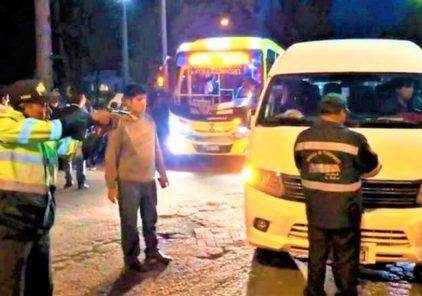 Arequipa: Apuntan con pistola a conductor que quiso atropellarlos (VIDEO)