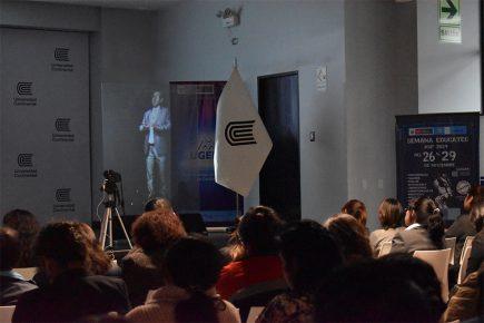 """Universidad Continental pionera en Perú con tecnología """"Profesor Avatar"""""""
