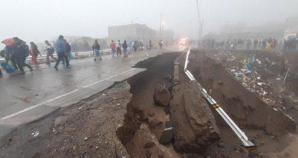Suspenden tránsito en carretera Arequipa – Puno – Cusco por derrumbe de vía