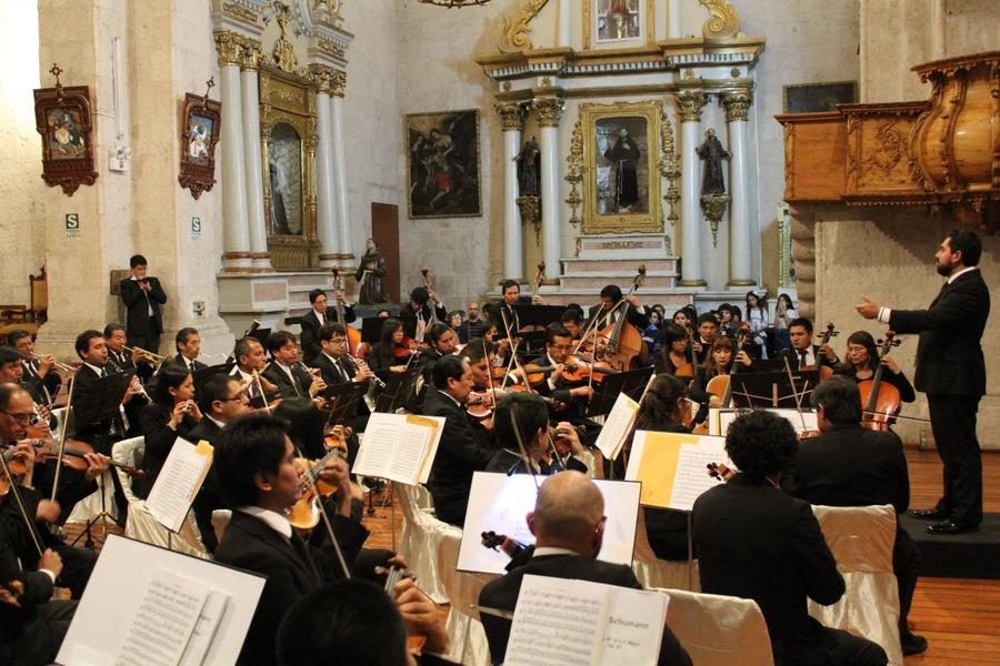 Orquesta Sinfónica de Arequipa inicia concierto de apertura