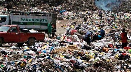 Población y alcalde de Yura hartos de alojar el único botadero de basura