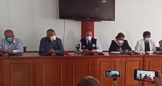 Autoridades de la Gerencia de Salud de Arequipa se reunieron este lunes para abordar el problema del Covid-19.