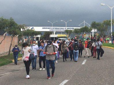 Último vuelo con arequipeños varados en Lima efectuó la Fuerza Aérea