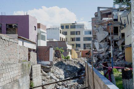 Casas destruidas en Yanahuara habrían robado espacio a la torrentera Chullo