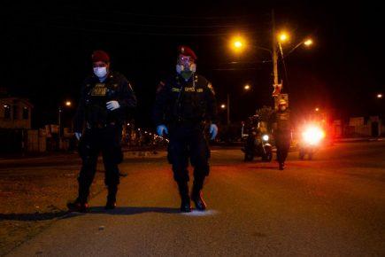 Más policías contagiados| AL VUELO noticias desde Arequipa – Perú  17/04/20