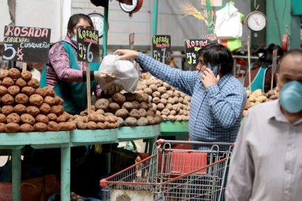 Estado de emergencia: Así lucieron mercados en el primer día de circulación de varones