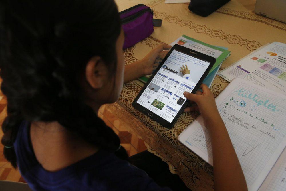 Hablemos de la Educación a distancia - El Búho - Hélard Fuentes