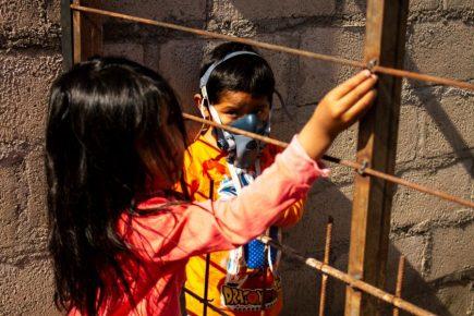 Arequipa: bandera blanca en humildes viviendas de Tingo (Fotos y Video)