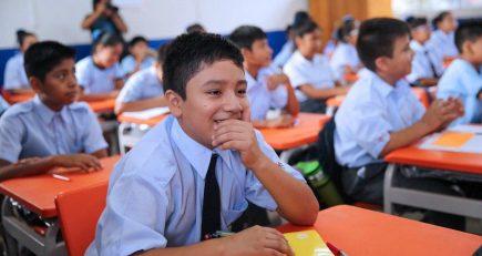 Gobierno estudia permitir traslados de alumnos de colegios privados a públicos