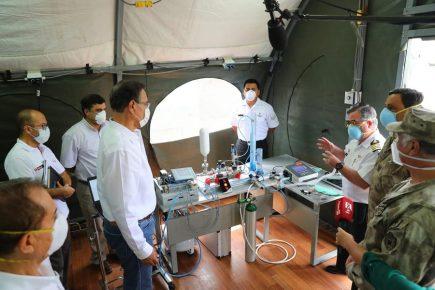Vizcarra presentó respirador artificial fabricado en Centro Naval