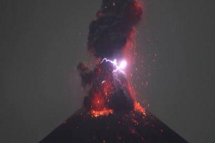 Estos son los volcanes que registraron fuerte actividad este viernes