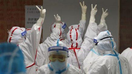 Corona Virus: saludo de codo a codo